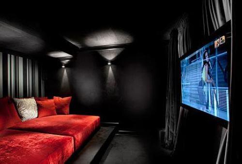 地下室家庭影院